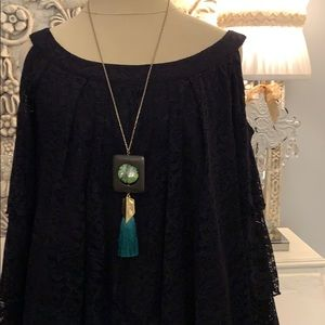 Jewelry - Green stone and fringe necklace
